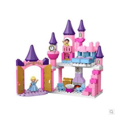 幼儿园纸箱搭城堡