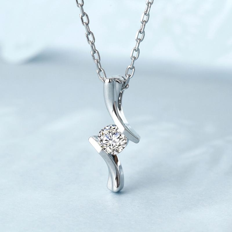 白�9(���,�i)�n(ym�_钻石快线 白18k金钻石吊坠女款 简约时尚钻石项坠 【钻石共16分】i-j