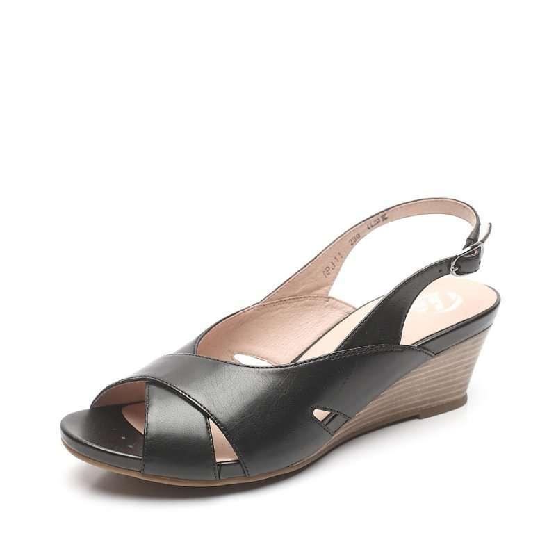 bata 拔佳2012年夏季黑色牛皮女凉鞋apj11d