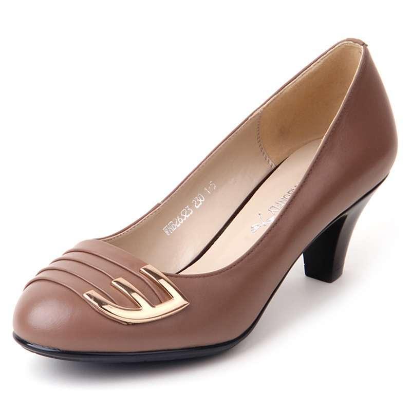 红蜻蜓休闲时尚真皮女单鞋休闲时尚职场中跟女鞋wnb