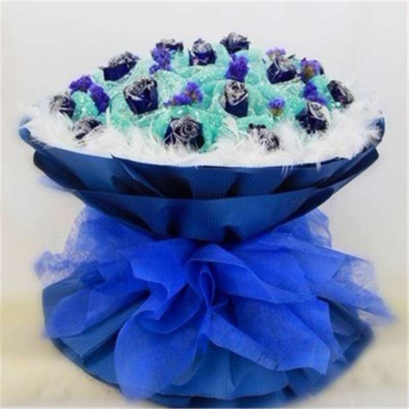 假的蓝色妖姬多少钱_比蓝色妖姬清纯今年七夕雪染玫瑰最吃香