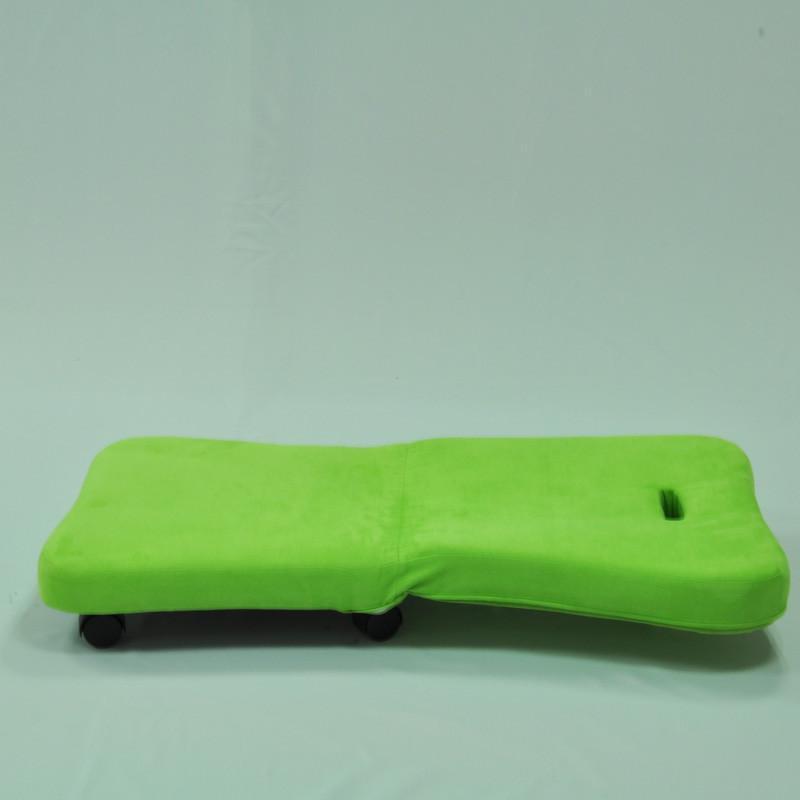 浅绿色欧式沙发