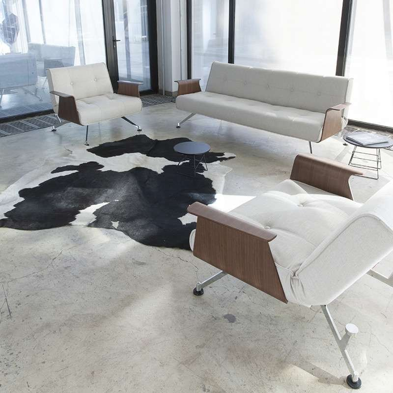 丹麦依诺维绅现代简约功能沙发床胡桃木扶手电镀腿