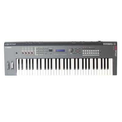 YAMAHA雅馬哈電子琴鍵盤MX-61 MX61送原裝琴包 61鍵合成器