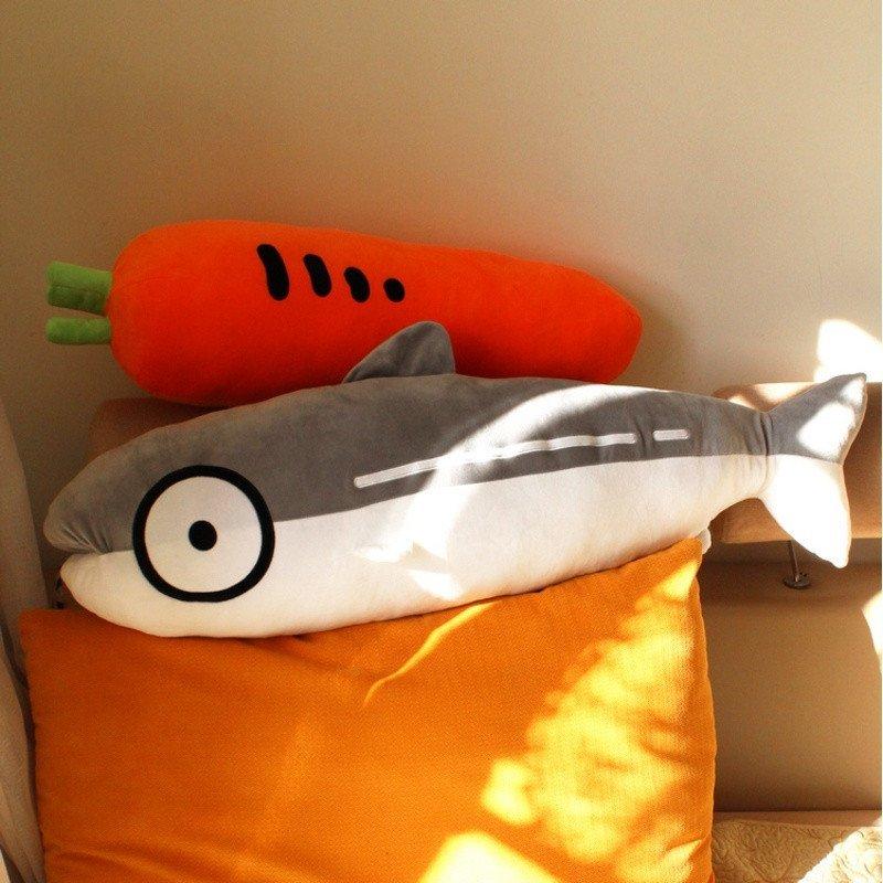 悦达 马哈鱼胡萝卜抱枕毛绒玩具睡觉鲨鱼卡通长抱枕头女生创意生日