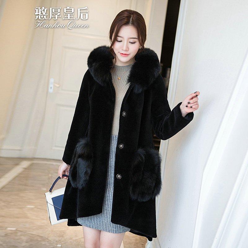 羊剪绒短款外套搭配