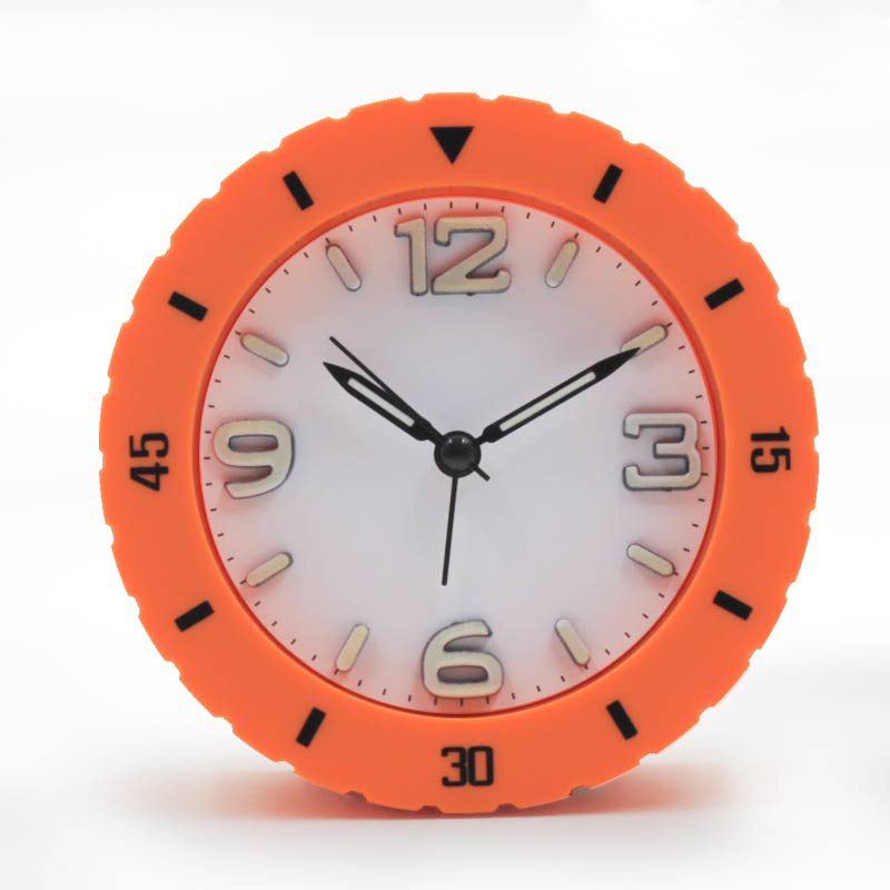 夜光静音带灯时尚数字桌钟创意轮胎设计糖果色小闹钟图片