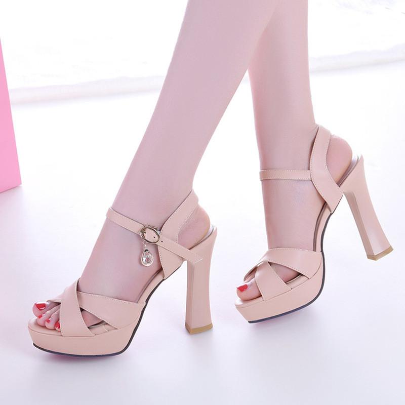 凉鞋女粗跟夏季