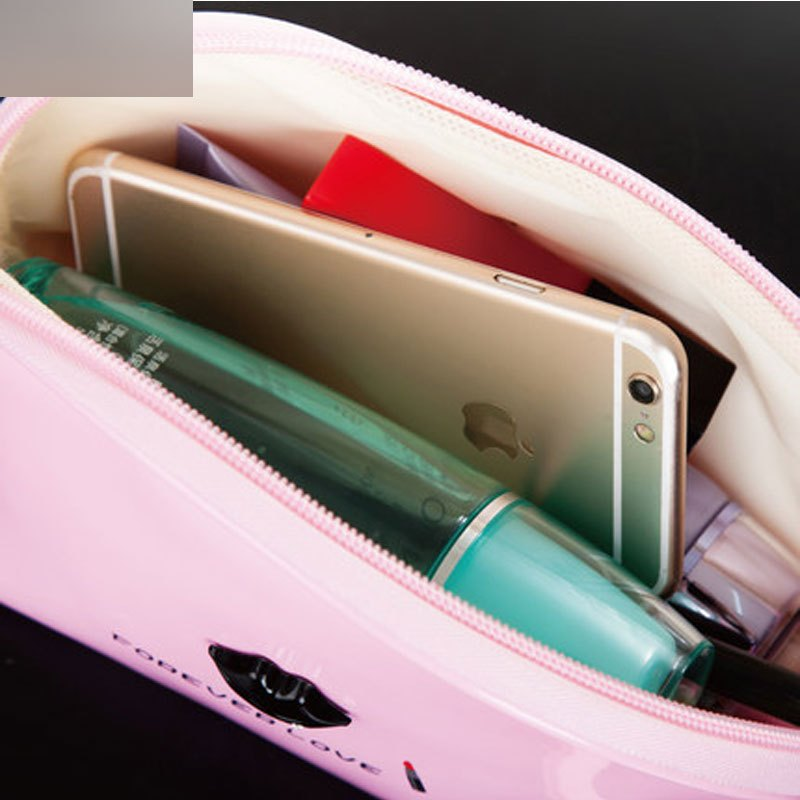 手拿化妆包可爱卡通嘴唇整理袋防水袋化妆包小号便携旅行收纳包时尚