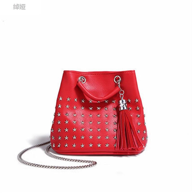 绰娅新款pu皮女士包包星星图案水桶包时尚潮流苏迷你可爱背包软面单
