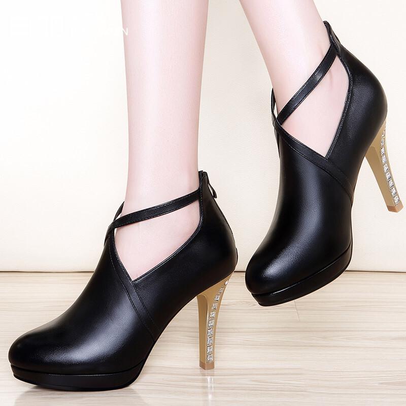 鞋子后拉链设计