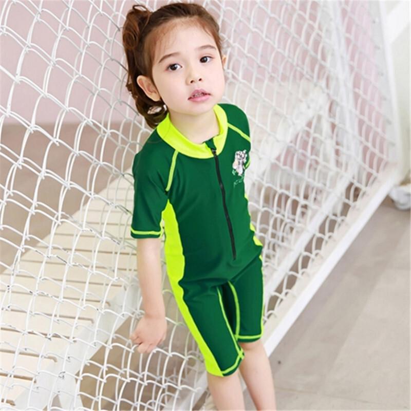 新款儿童泳衣女童连体拉链潜水服保守遮肚可爱小公主女童沙滩泳装