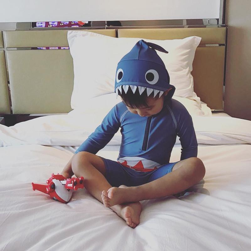 韩国中小童婴幼儿童泳衣男女孩连体可爱卡通鲨鱼防晒宝宝长袖泳装