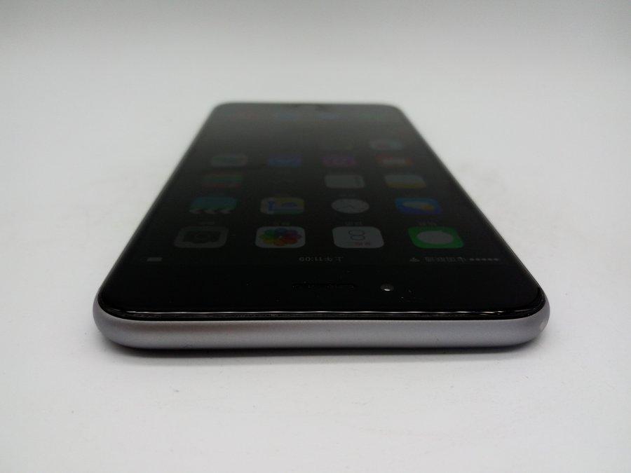 機型:蘋果 iPhone 6 Plus 灰色 內存:16 G 版本:美國 全網通 成色:8成新及以下 【同城幫質檢結論】型號:A1524。屏幕有劃痕,后殼邊框磨損。經過同城幫專業質檢,確保無質量問題,無翻新,推薦購買。 ------------------------ 配件:贈送全新品勝充電器和數據線 快遞:全國包郵(如選貨到付款,郵費需您自付) 保修:支持7天無理由退貨,180天保修。