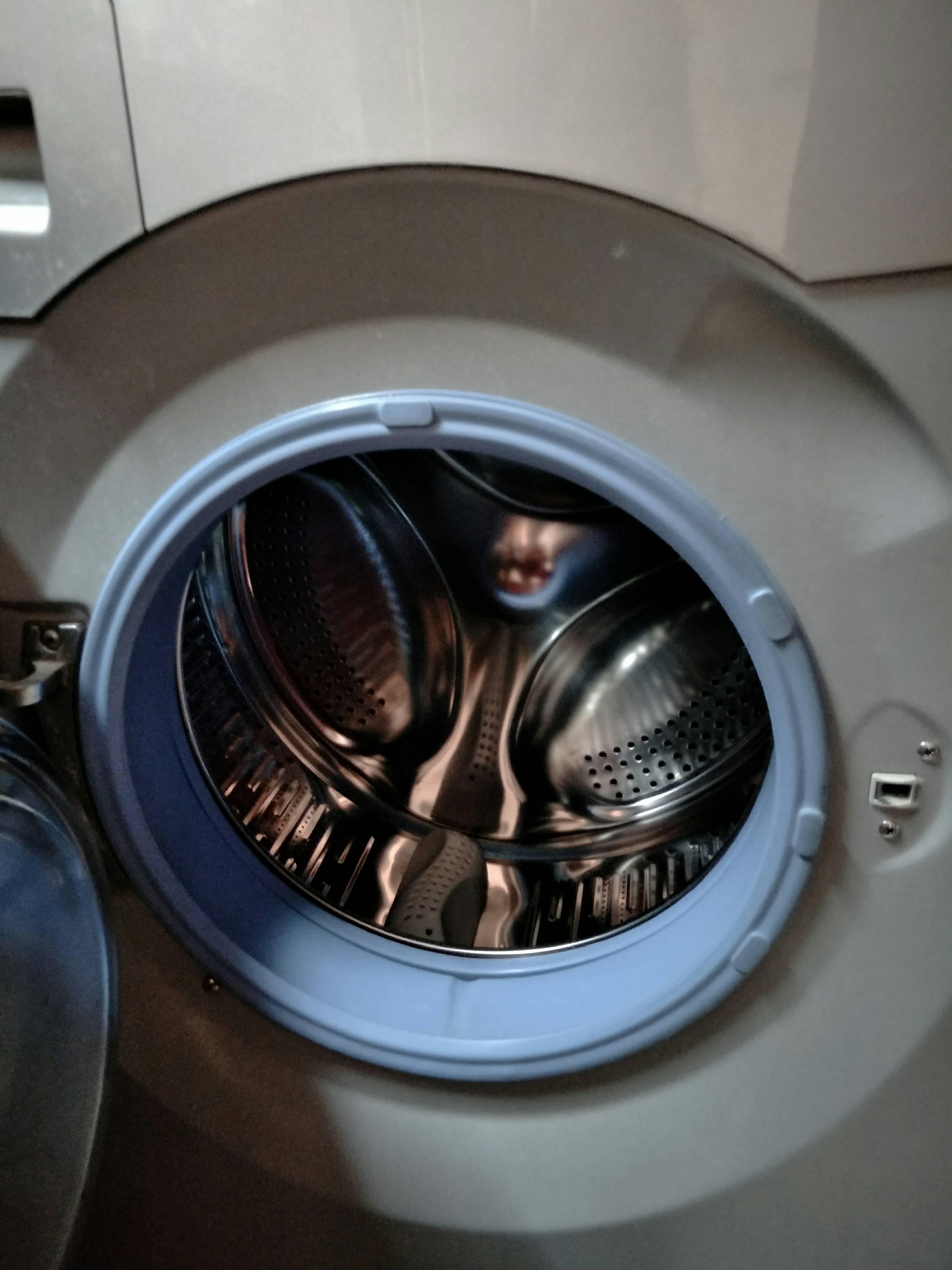 海尔滚筒洗衣机