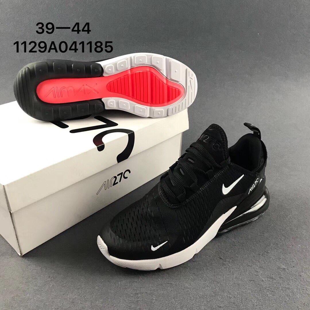 耐克气垫跑步鞋